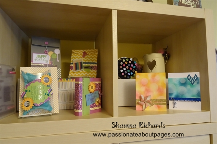 The cute gift bags are part of August's Paper Picnic if you choose the cards & Bags option.  The Bokeh Cards will be taught at August's Card Buffet.